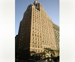 SPACIOUS ~~ 800 SQ FEET ONE BEDROOM  --