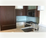 Luxury apartment, 2 bedroom 2 bathroom, washer n dryer, river views CONDO FINISHES