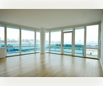 WILLIAMSBURG* Incredible* 2BED/2BATH* EDGE Condo Rental* Full Amenity Package* Hotel Style Concierge* UNOBSTRUCTED RIVER/ CITY VIEWS! 